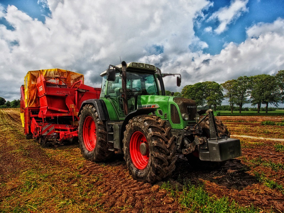 How a farm machinery hire scheme can save you money